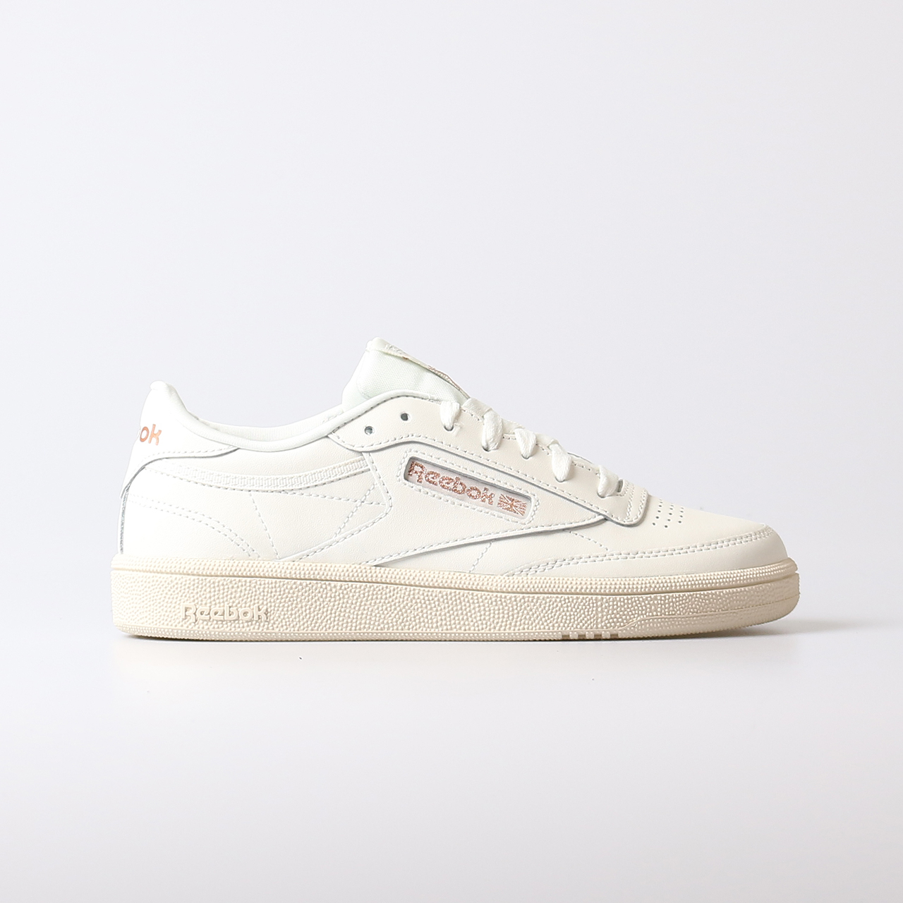 f4e2d1d3a33 Home / Sneakers / REEBOK Club C 85 Sneakers Dames