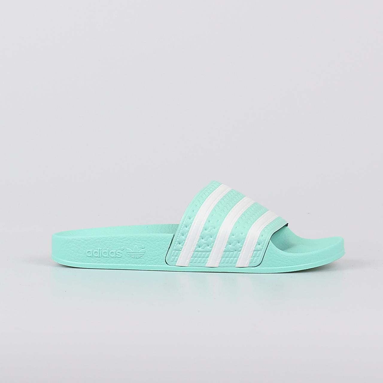 adidas-adilette-slippers-dames-groen-multicolour_39417.jpg ...